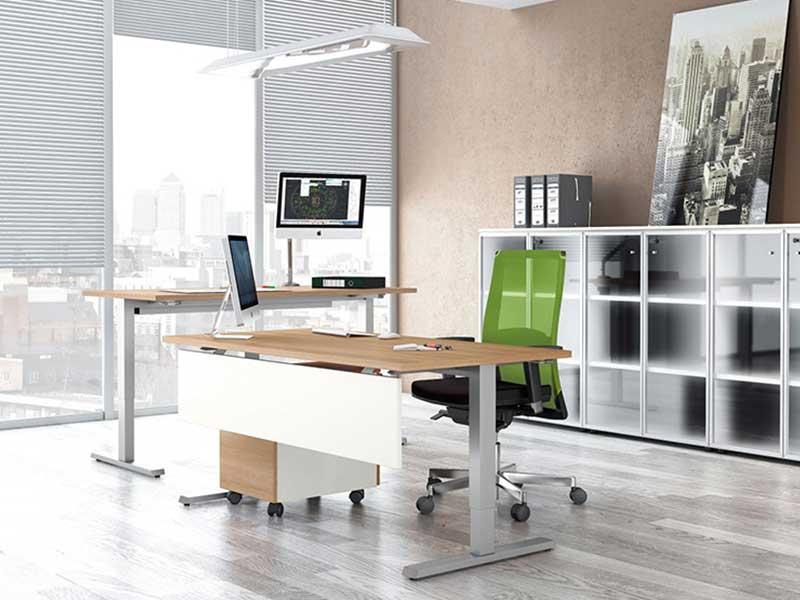 bureaux r glables en hauteur full up i. Black Bedroom Furniture Sets. Home Design Ideas